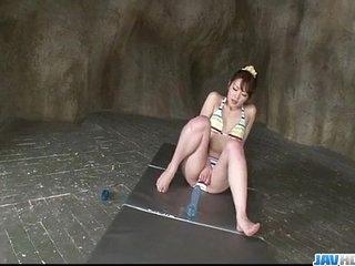 Stunt man Japanese modelTomoka Sakurai plays almost unparalleled