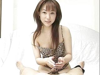 Japanese babe's handjob twice cum